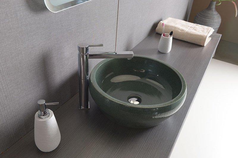 Farby do kúpeľne patria – nebojte sa zelenej ani červenej!