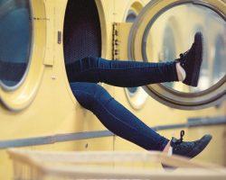 Aká práčka je vhodná podľa spôsobu plnenia? Rozhoduje priestor!