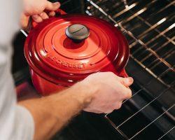 Ako vyčistiť rúru na pečenie? Stačí vám na to len týchto pár vecí